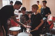 Занятие барабанным шоу